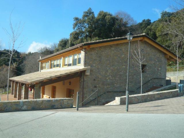 Casa consistorial i consultori mèdic